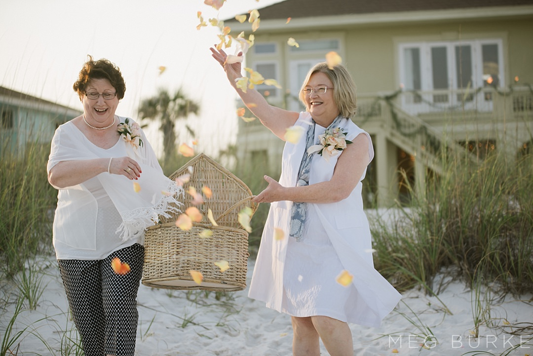 flower-moms for beach wedding